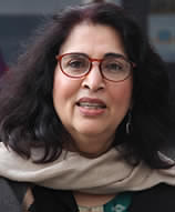 Head shot of Dr. Urvashi Sahni facing the camera